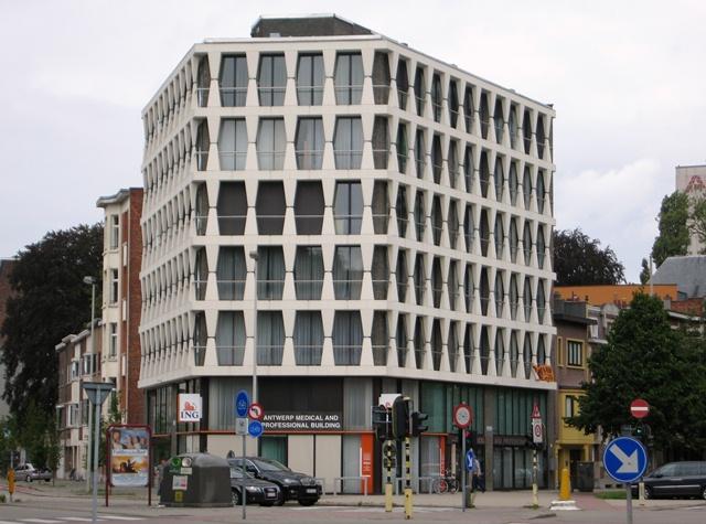karel oomsstraat medical building